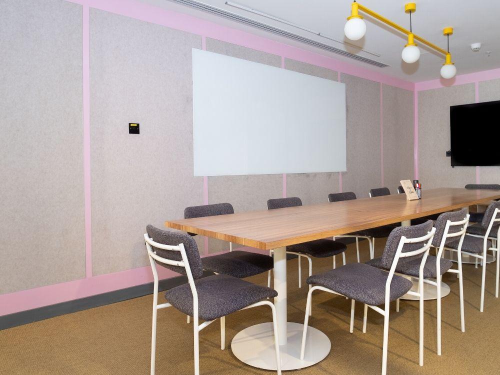 Salarpuria-Symbiosis-1E-Conference-Room
