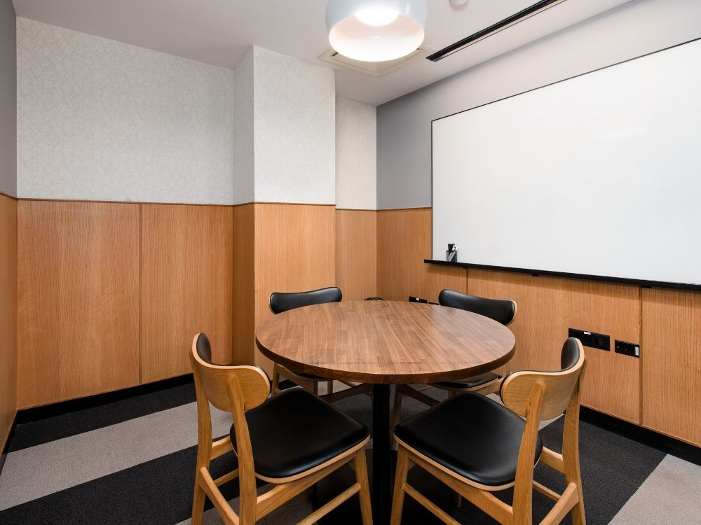 Embassy-Golf-links-3B-Conference-Room