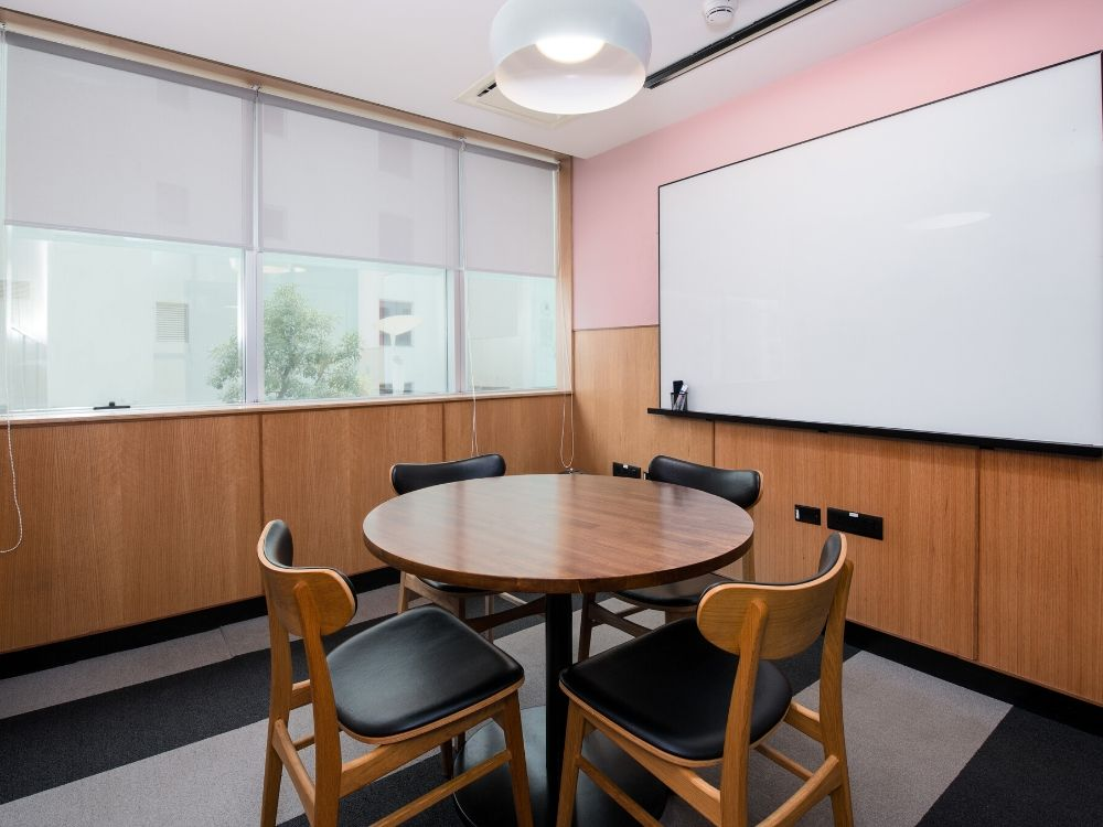 Embassy-Golf-links-6D-Conference-Room