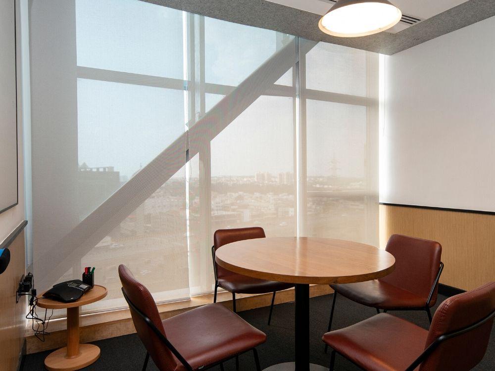 RMZ-Latitude-Commercial-8C-Conference-Room