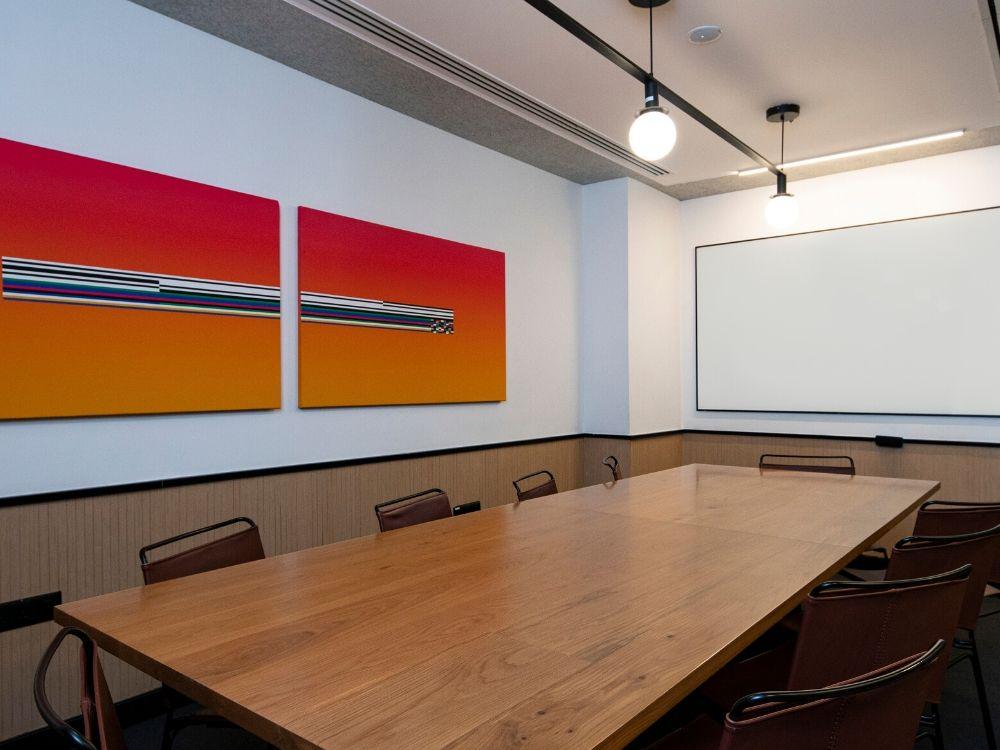 RMZ-Latitude-Commercial-8E-Conference-Room
