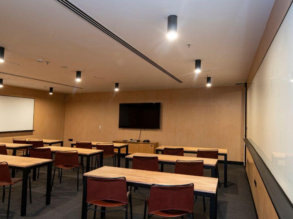 RMZ-Latitude-Commercial-9E-Conference-Room