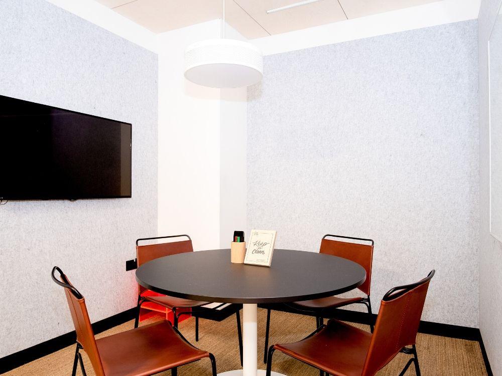 Salarpuria-Magnificia-12A-Boardroom