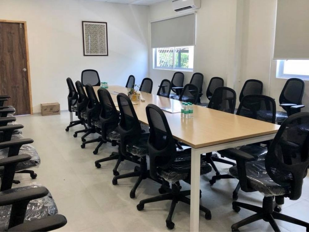 Indiranagar-Double-Road-Conference-room