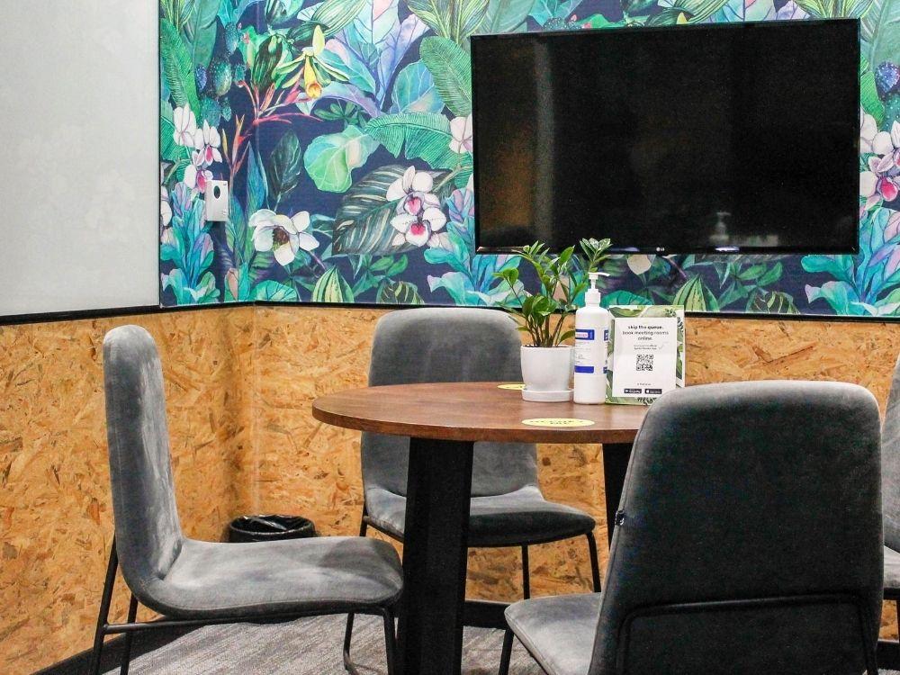 ORR-1E-Meeting-Room