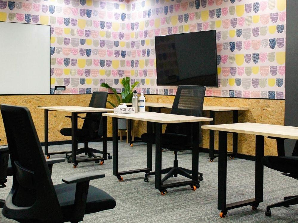 ORR-1J-Meeting-Room