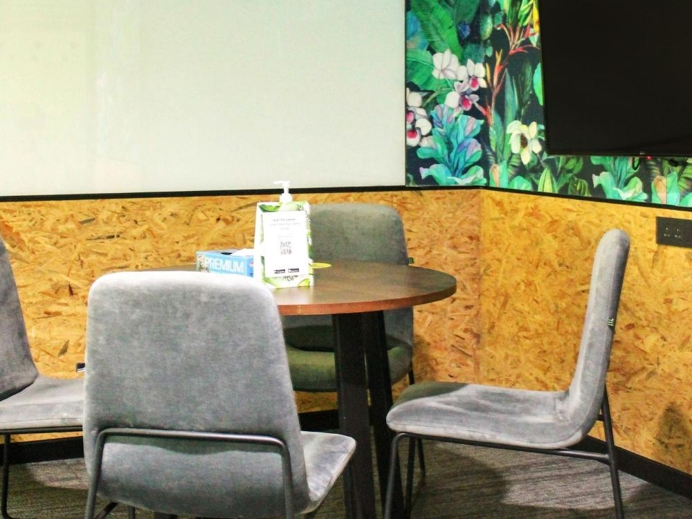 ORR-2E-Meeting-Room