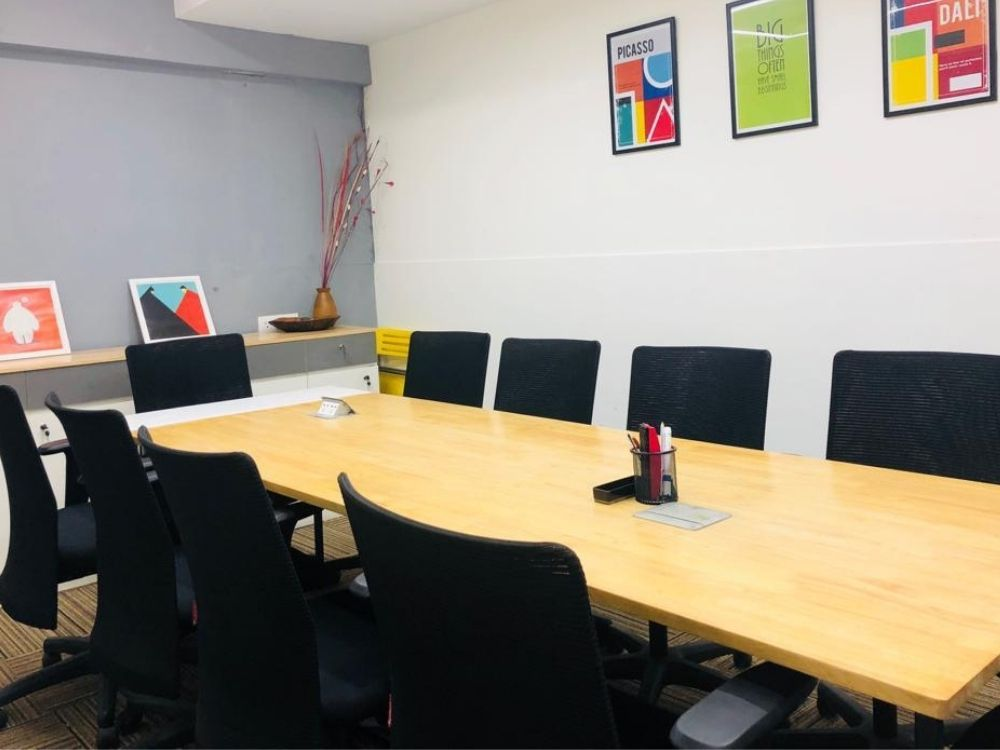 Domlur-Classic-Conference-Room