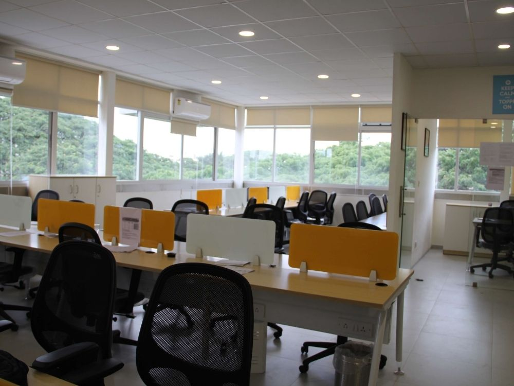 Indiranagar-Double-Road-Meeting-Room