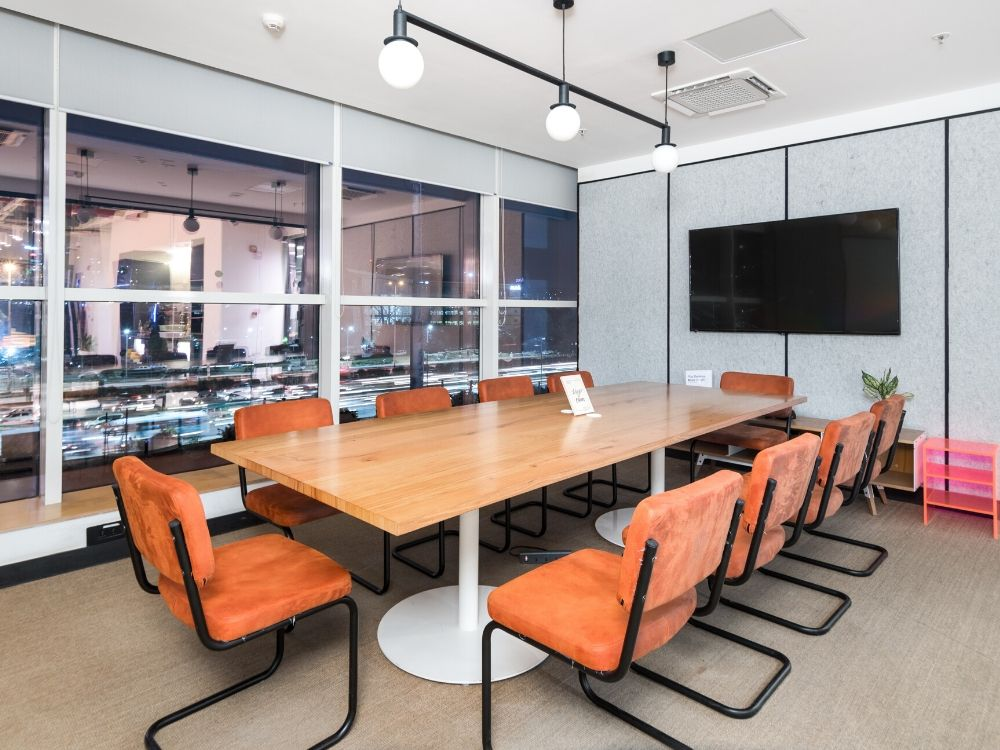 Spectrum-Tower-5D-Conference-Room