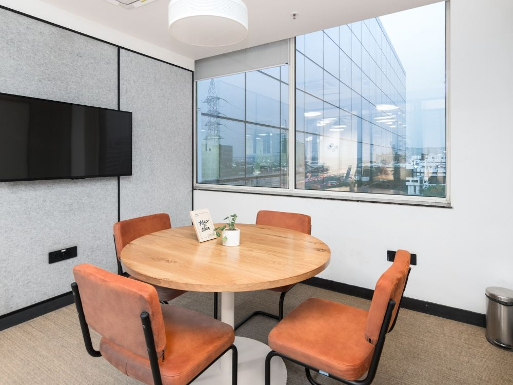 Spectrum-Tower-7D-Conference-Room