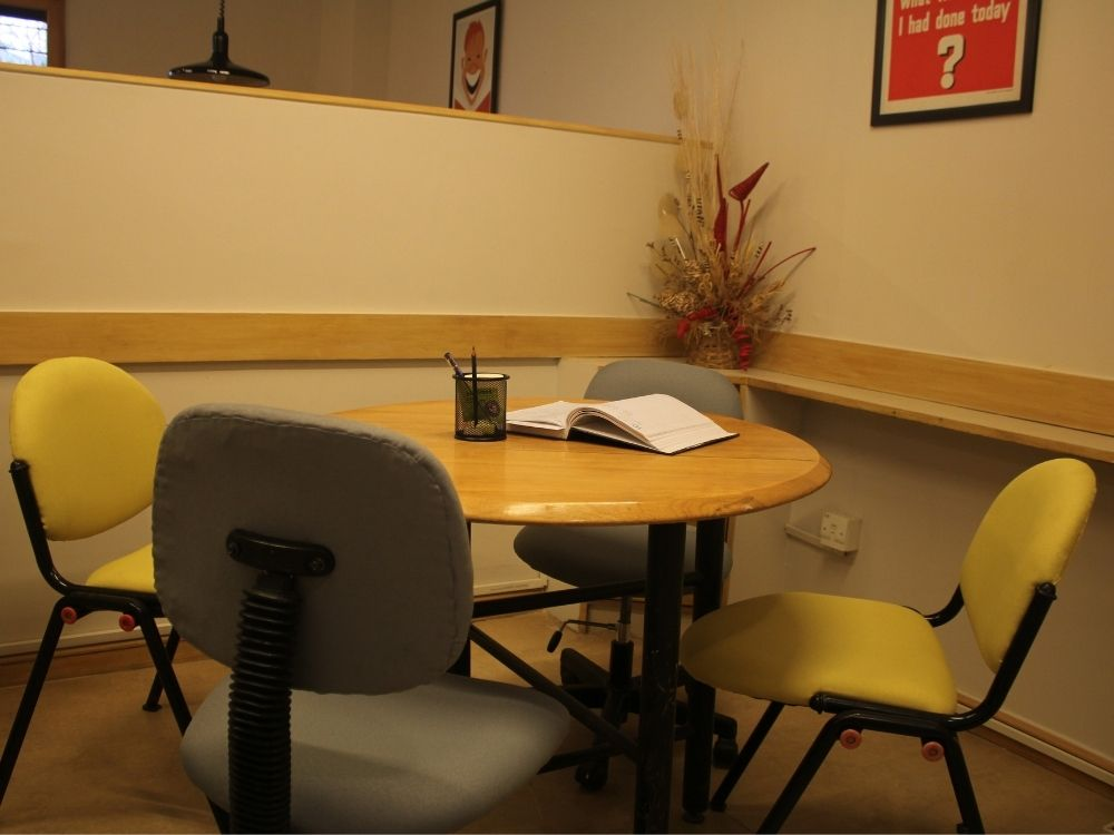 Domlur-Classic-Meeting-Room-1