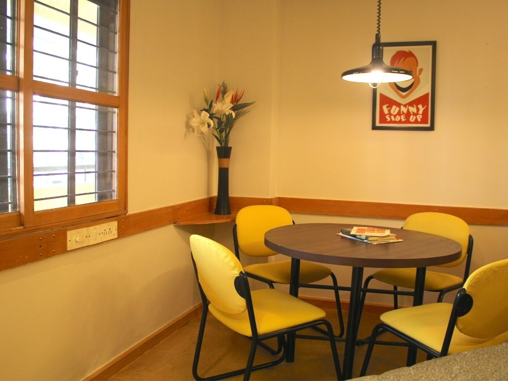 Domlur-Classic-Meeting-Room-2