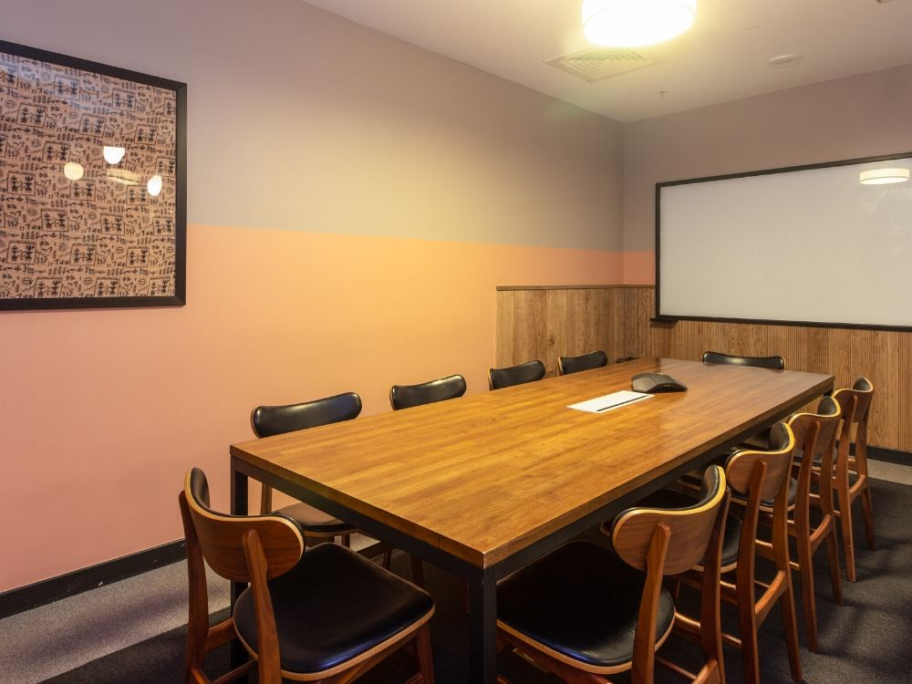 Enam-Sambhav-15C-Conference-Room