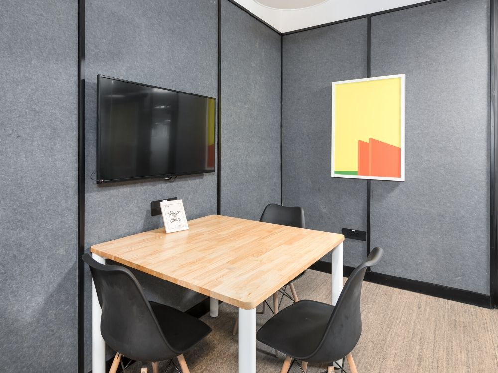 Forum-1G-Conference-Room
