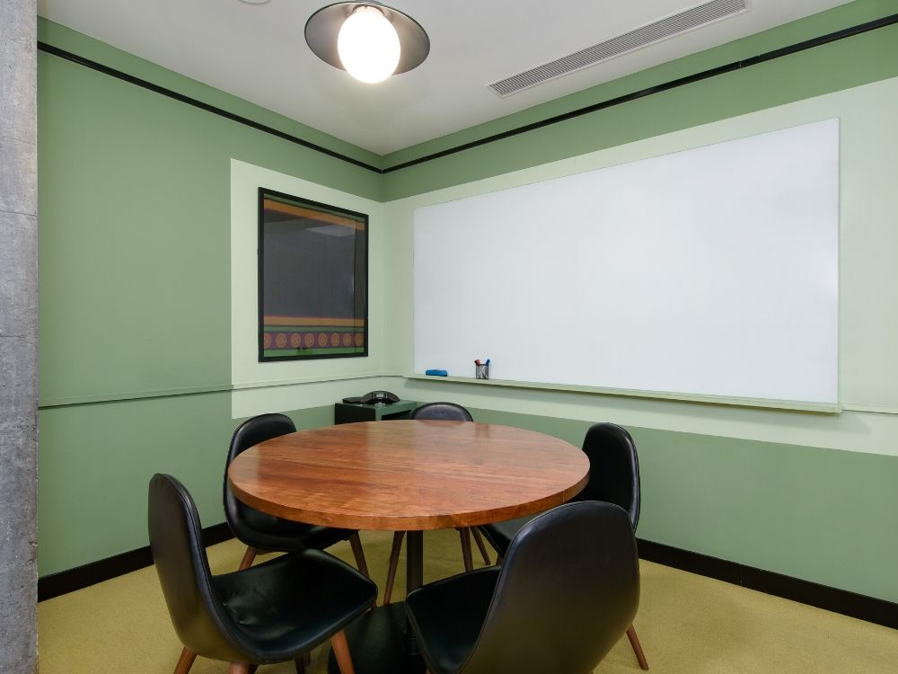 Galaxy-2B-Conference-Room