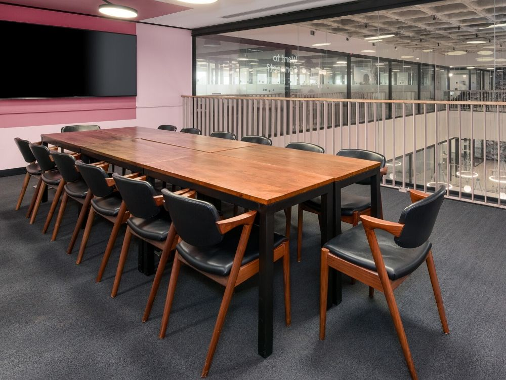 Chromium-5D-Conference-Room