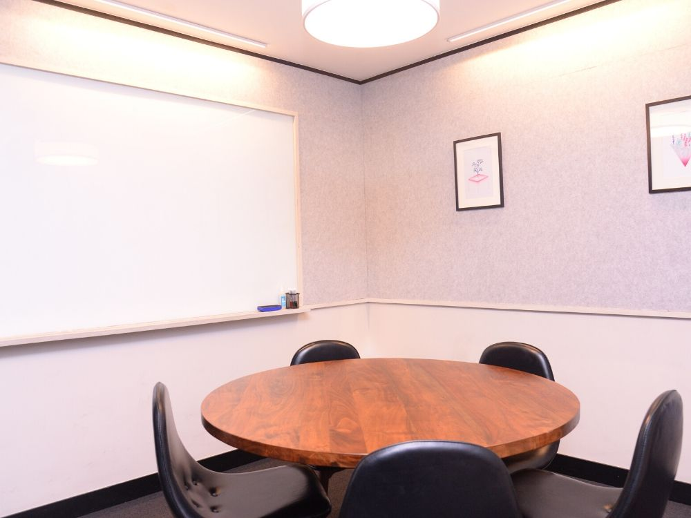 Galaxy-5B-Conference-Room