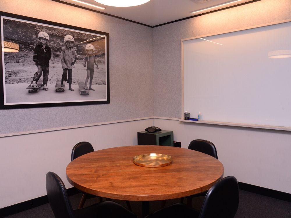 Galaxy-5C-Conference-Room