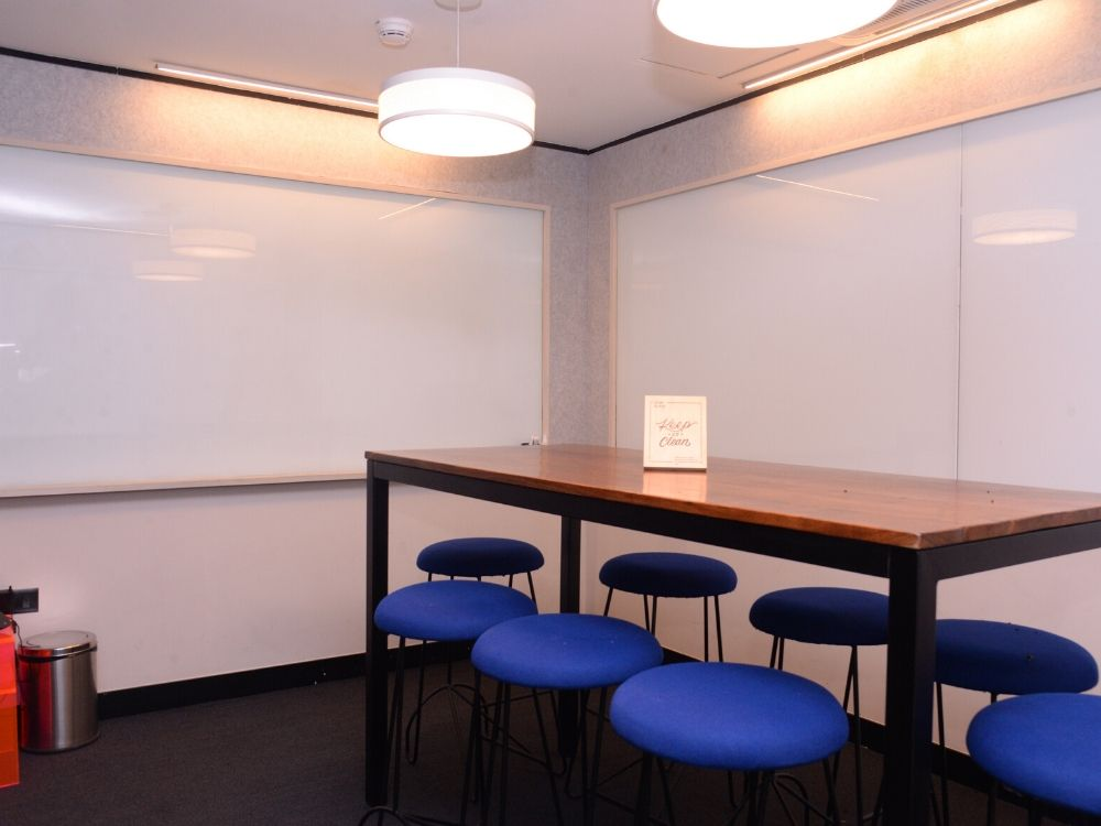 Galaxy-5F-Conference-Room
