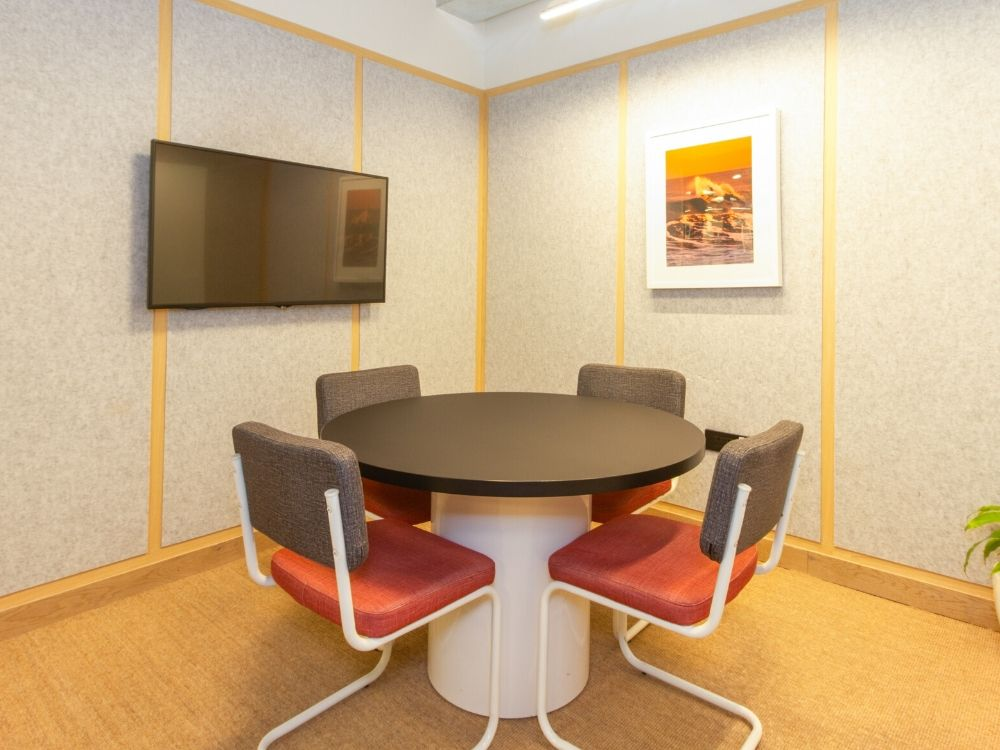 Oberoi-CommerzII-20C-Conference-Room