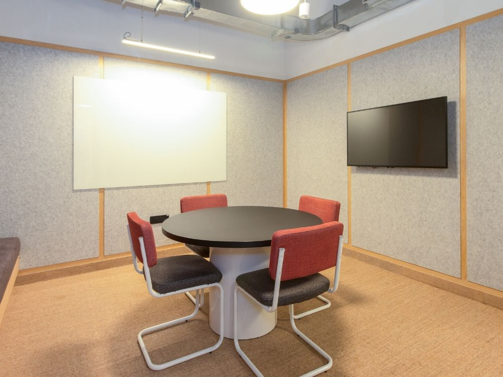 Oberoi-CommerzII-3C-Conference-Room