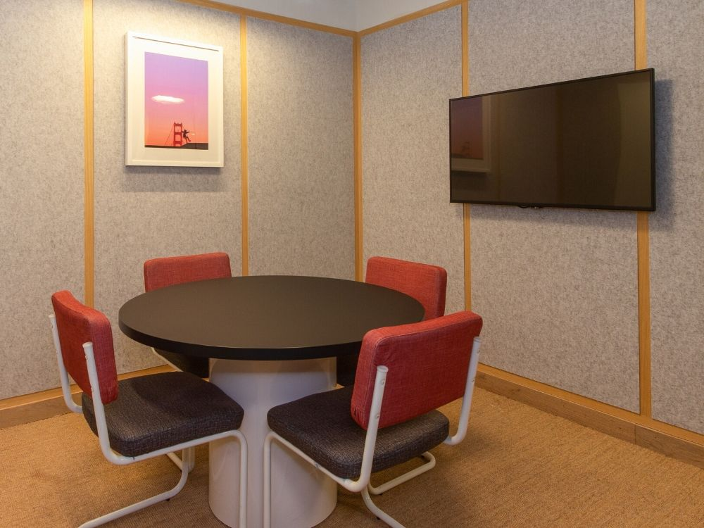 Oberoi-CommerzII-2F-Conference-Room