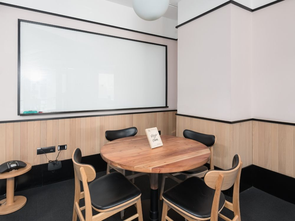 Platina-Tower-1D-Conference-Room