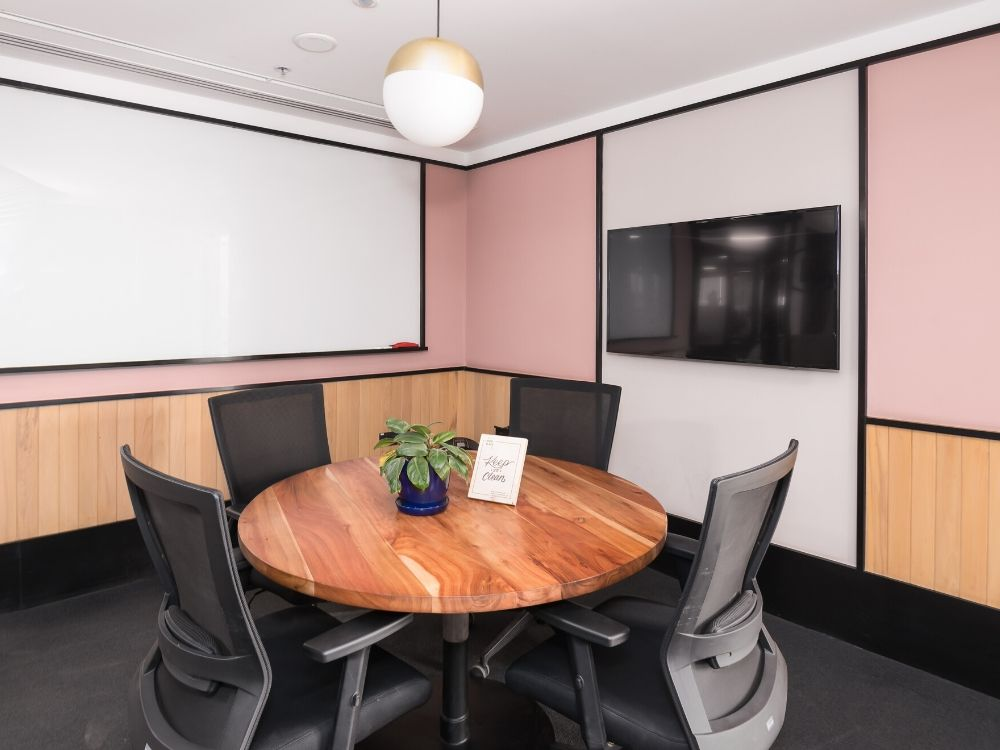 Platina-Tower-5B-Conference-Room