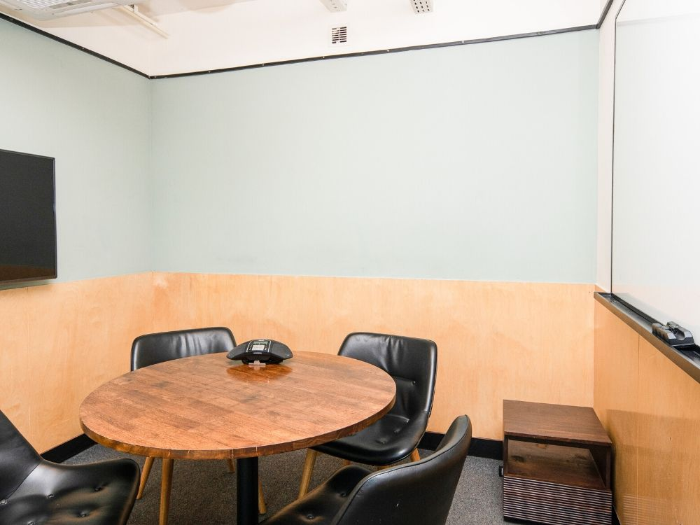 Chromium-1H-Conference-Room