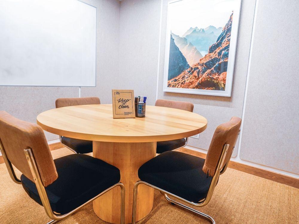 Rajapushpa-1E-Conference-Room