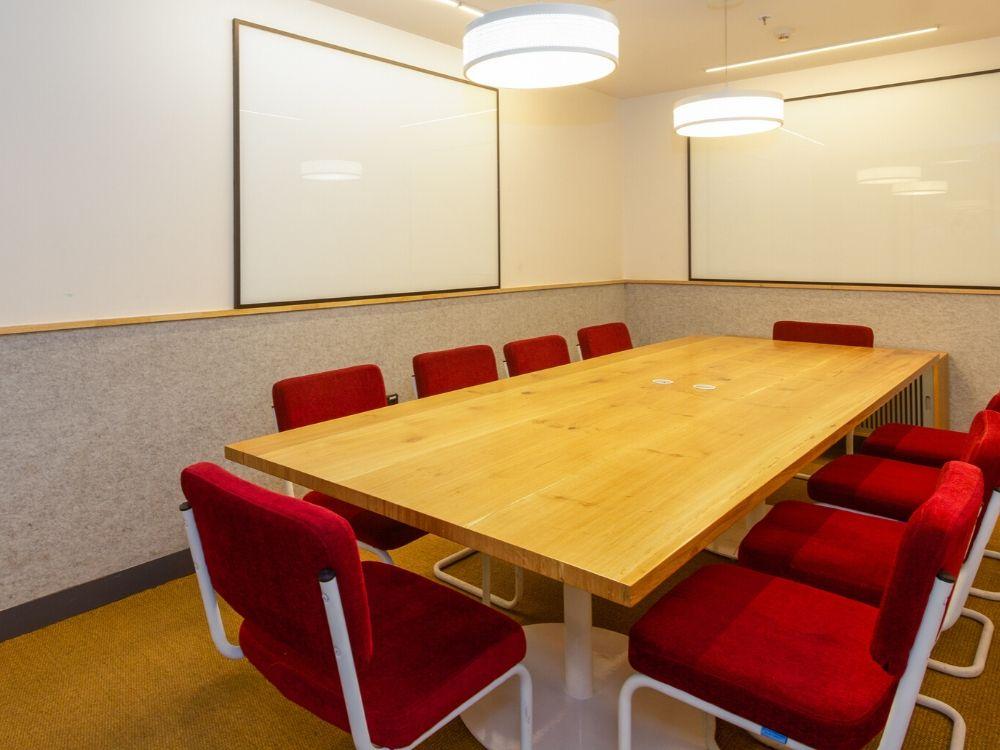 Vaswani-Chambers-1B-Conference-Room
