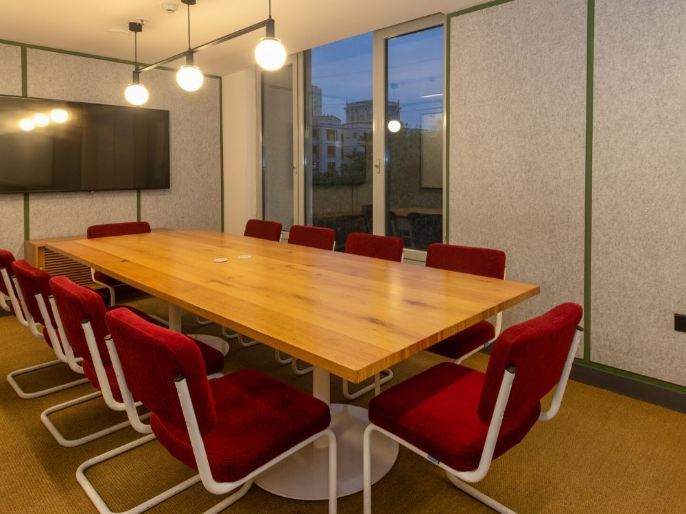 Chromium-GR-F-Conference-Room